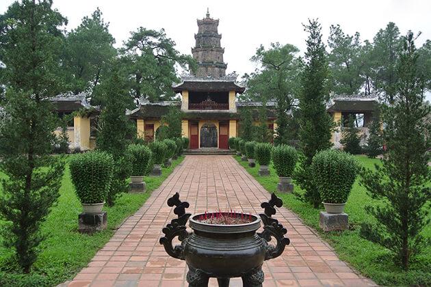 Thien Mu Pagoda Hue Tour by Vespa
