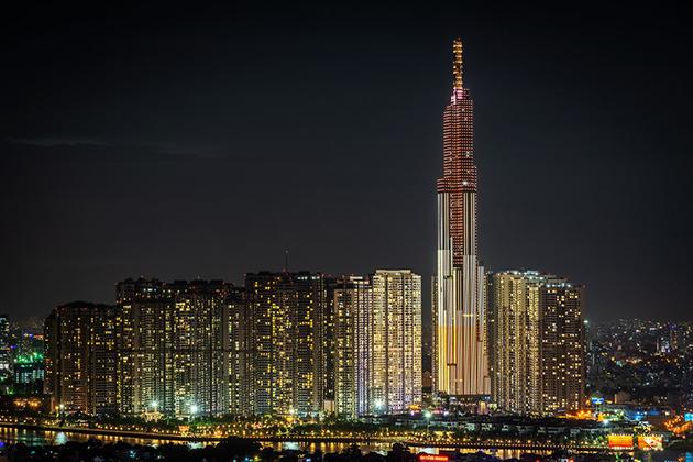 landmark 81 at night