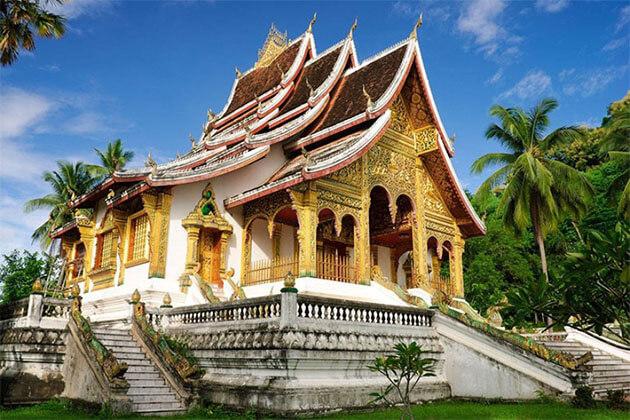 Wat Mai Laos Tour
