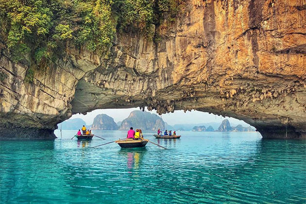 Bai Tu Long BAy Vietnam Luxury Tour