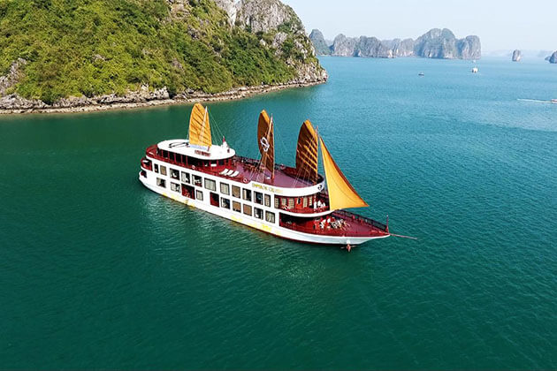 Emperor Cruises in Halong Bay