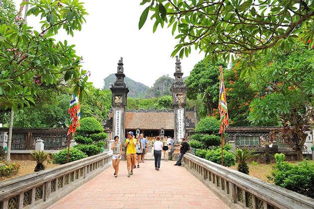 Temple of King Le Ninh Binh
