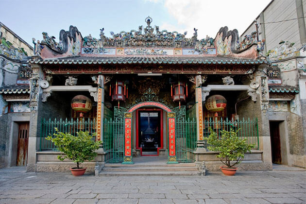 Thien Hau Temple Vietnam Holiday Tour