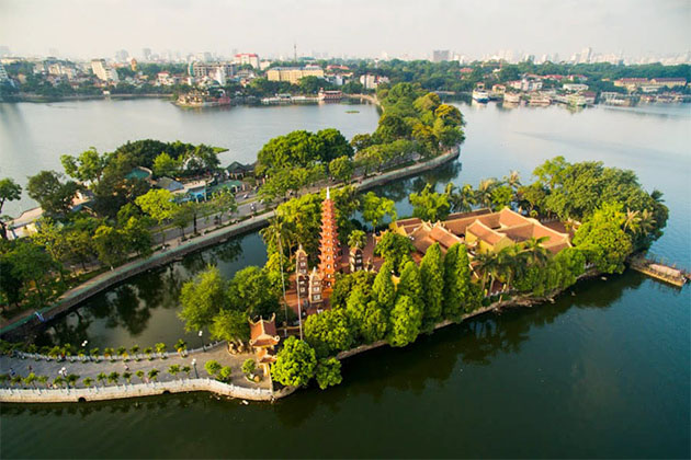 West Lake Hanoi Tour in Vietnam