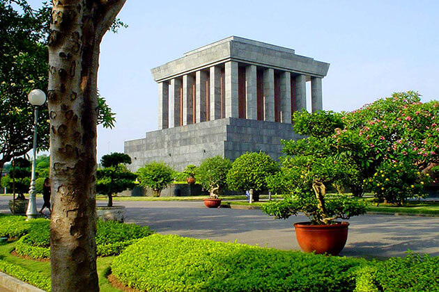 Ho Chi Minh Mausoleum in Hanoi Tours