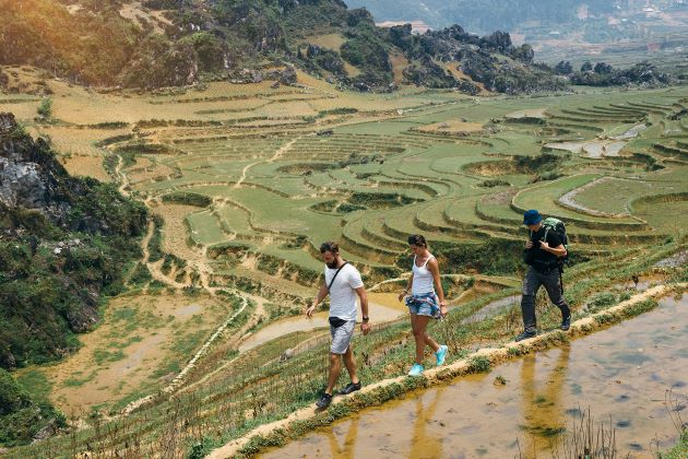 trekking in north vietnam